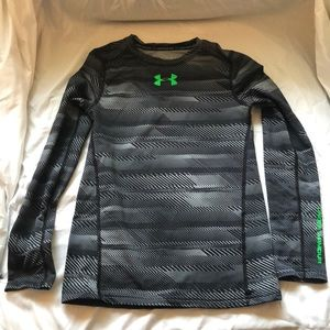 Under Armour long sleeve fitted shirt size medium